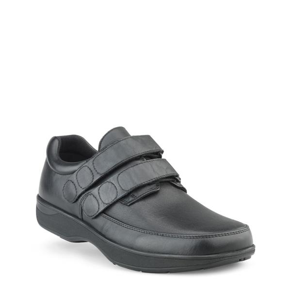 skor till svullna fötter